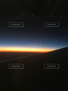日没の前に虹の写真・画像素材[847959]