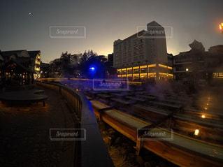 夜の街の景色の写真・画像素材[849169]