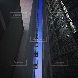 夜の街の景色の写真・画像素材[849864]