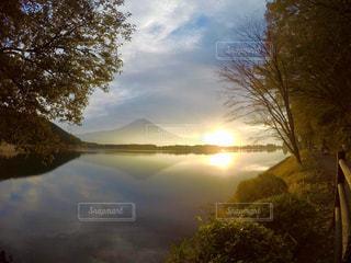 田貫湖と朝富士の写真・画像素材[849974]