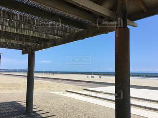 誰もいない浜の写真・画像素材[852463]