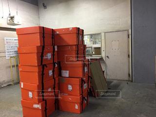 倉庫の中の荷物の写真・画像素材[852423]