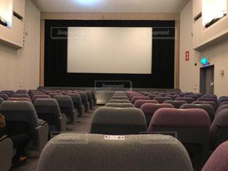 昔ながらの商店街の映画館 - No.850658