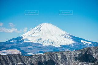 雪に覆われた山 - No.980359