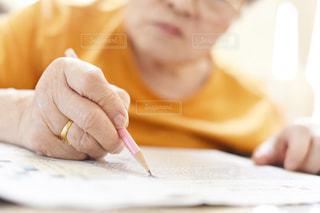 祖母の手の写真・画像素材[2165526]