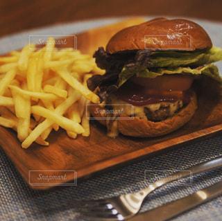 ハンバーガーの写真・画像素材[1757156]