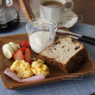 スクランブルエッグの朝食の写真・画像素材[1786709]