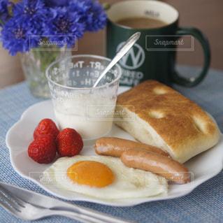 フォカッチャの朝食の写真・画像素材[2079469]