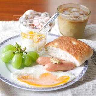 フォカッチャの朝食の写真・画像素材[2390618]