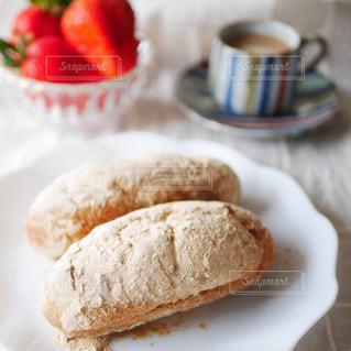揚げパンの朝食の写真・画像素材[2923266]