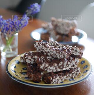 ポン菓子でチョコレートバーの写真・画像素材[4307643]