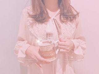 ワンピースを着てる女性の写真・画像素材[981784]