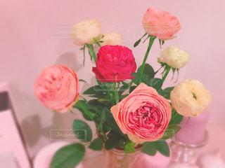 ピンクの花の花束の写真・画像素材[992277]