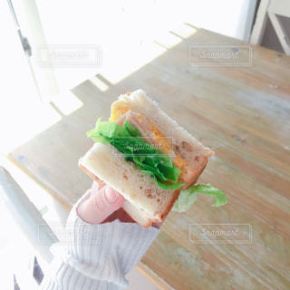 お手製サンドイッチの写真・画像素材[2093267]