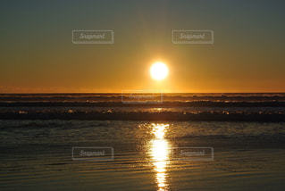 素晴らしい日の出の写真・画像素材[1007849]