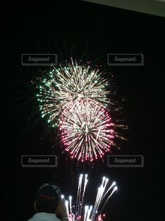 空に花火の写真・画像素材[855337]