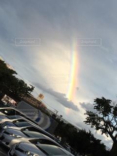 空に虹の写真・画像素材[1011539]