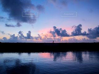水の大きな体の写真・画像素材[856196]
