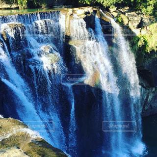 台湾の十份瀑布の写真・画像素材[856917]