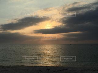 リゾート地の夕日の写真・画像素材[857520]