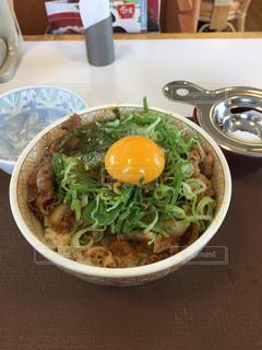 ねぎ玉牛丼の写真・画像素材[858140]