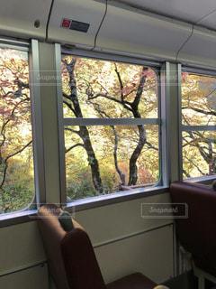 大きな窓の景色の写真・画像素材[856239]