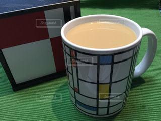 モンドリアンのマグカップにモデュロンの写真・画像素材[856306]