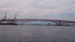 大阪湾に架かる港大橋の写真・画像素材[858920]