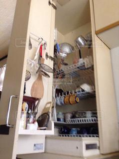 システムキッチンのトール型大型食器乾燥機の写真・画像素材[874347]