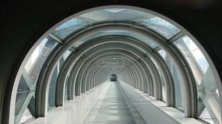 近未来的な空中廊下の写真・画像素材[1034293]