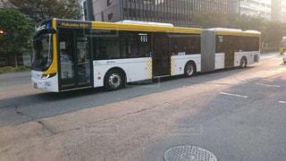 博多の連節バスの写真・画像素材[1034552]