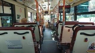 京都大原から出発する京都バスの車内の写真・画像素材[3651599]