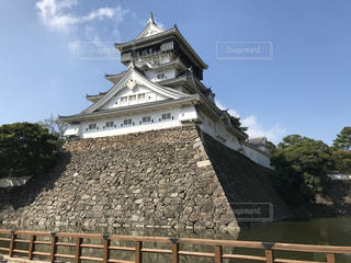 大きな石造りの建物の写真・画像素材[3046768]