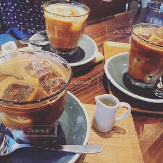 クローズ アップ食べ物の皿とコーヒー カップの写真・画像素材[857270]