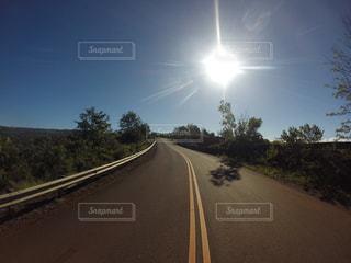 カウアイ島の道路の写真・画像素材[857701]