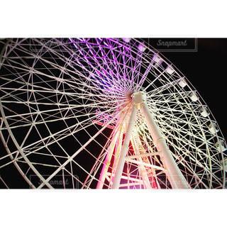 ハウステンボスの観覧車ライトアップの写真・画像素材[878247]