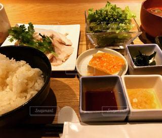 和風チキンライス膳の写真・画像素材[859090]
