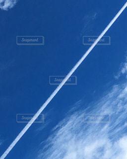 ひこうき雲の写真・画像素材[886148]