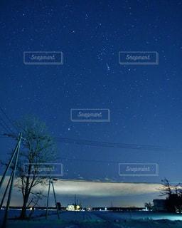 満天の星空とオリオン座の写真・画像素材[946701]