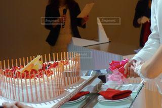 ケーキ入刀の写真・画像素材[861020]