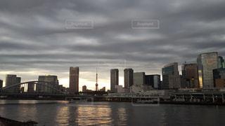 築地市場と東京タワーの写真・画像素材[863398]