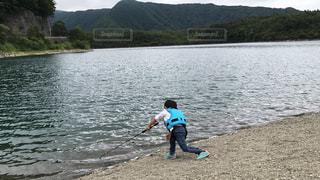 富士山  湖  バス釣り 子供の写真・画像素材[862685]