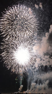 空に花火の写真・画像素材[874379]