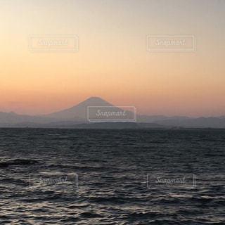 夕陽に染まる富士の山 - No.863991