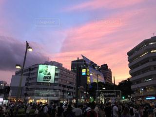 夕焼けの表参道の写真・画像素材[863012]