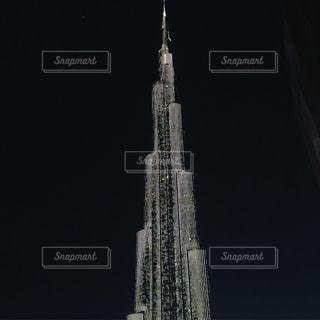 クロック タワーは夜ライトアップの写真・画像素材[860105]