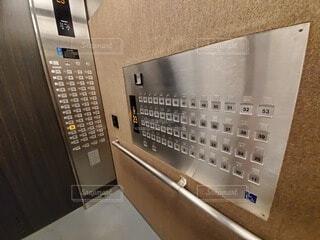 タワーマンション 管理エレベータボタンの写真・画像素材[4100648]