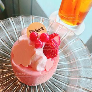 桜のケーキの写真・画像素材[1125776]