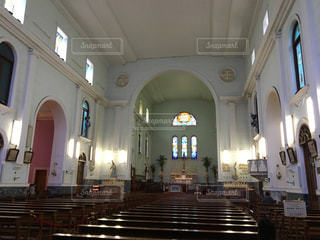 神聖な教会内の写真・画像素材[860400]