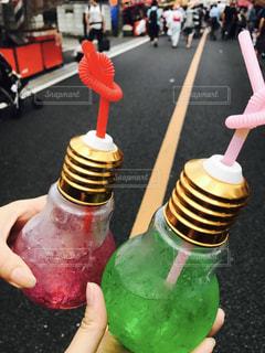 電球ソーダの写真・画像素材[863133]